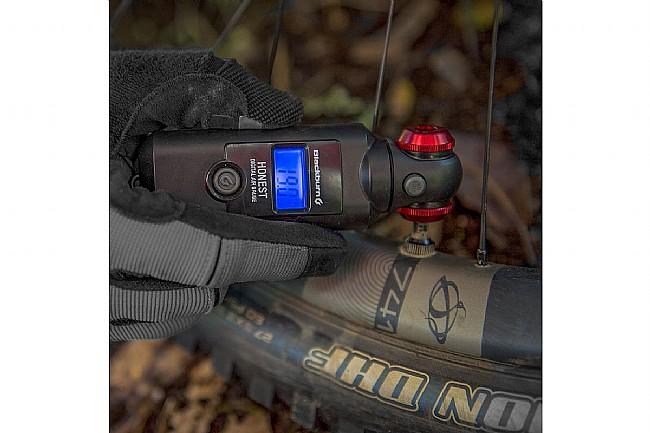 Blackburn Honest Digital Pressure Gauge Blackburn Honest Digital Pressure Gauge